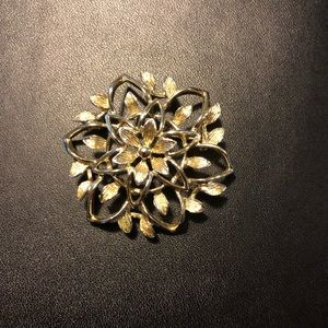 SARAH COVENTRY VINTAGE FLOWER BROOCH